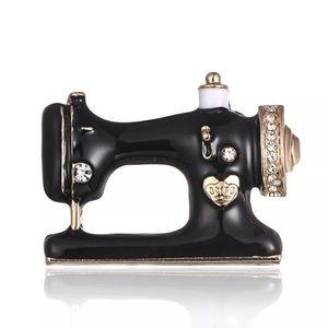 💫SWAROVSKI CRYSTAL GOLD SEWING MACHINE BROOCH💫